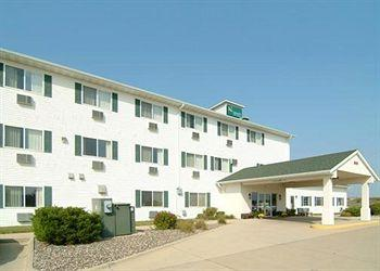 Quality Inn & Suites Eldridge On The Edge of Davenport Iowa