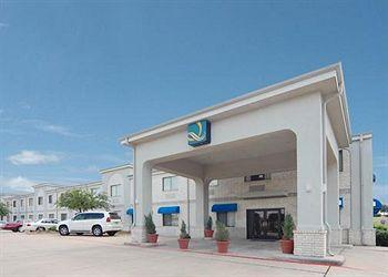 Photo of Quality Inn & Suites Grand Prairie