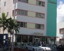Photo of Geneva Hotel &amp; Suites Miami Beach