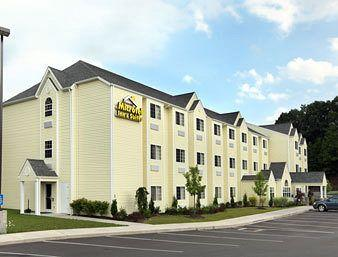 ‪Microtel Inn & Suites by Wyndham Beckley East‬