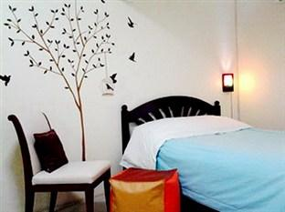 AT. Center Guest House & Motorbike For Rent