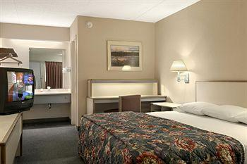 Photo of Red Roof Inn Indianapolis - South