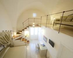 San Velletri Guest House