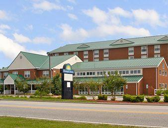 Days Inn Colonial Resort
