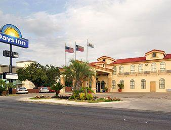 Photo of Days Inn San Antonio Northwest / Seaworld