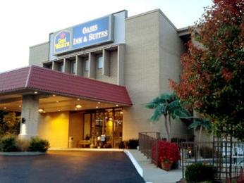 ‪BEST WESTERN Oasis Inn & Suites‬