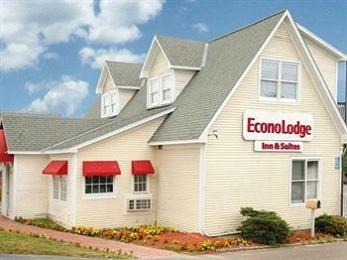 Photo of Econo Lodge Inn & Suites Shelburne