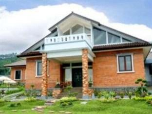 Photo of Osmond Villa & Resort Lembang