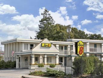 ‪Super 8 Motel - Hyannis/W. Yarmouth/Cape Cod Area‬