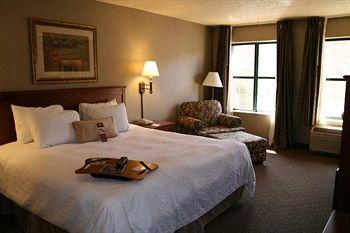 Hampton Inn Suites Agoura Hills