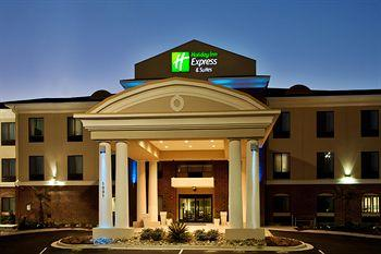 ‪Holiday Inn Express Hotel & Suites Picayune‬