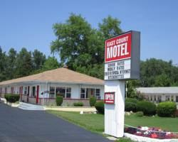 ‪East Court Motel‬