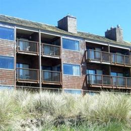 Photo of Cozy Cove Beach Front Resort Inn Lincoln City