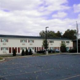 COUNTRY INN MOTEL MOHNTON