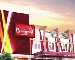 Boulevard Hotel
