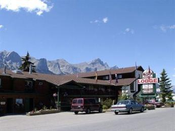 ‪Rundle Mountain Lodge‬