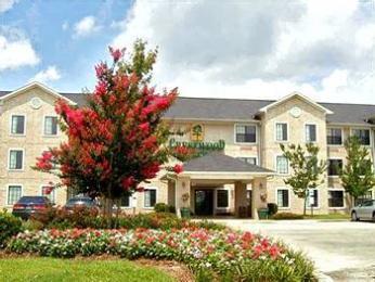 Crestwood Suites - Baton Rouge