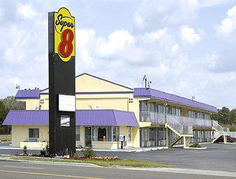 Super 8 Wildwood
