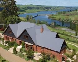 Emanuels - Lake Karapiro Lodge