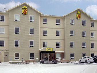 ‪Super 8 Motel - Yellowknife‬