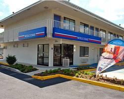 Motel 6 San Marcos