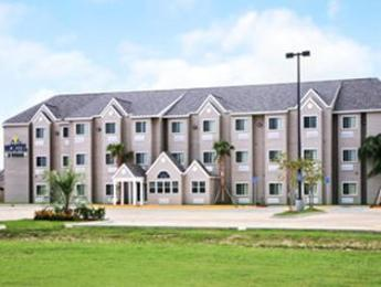 Microtel Inn & Suites by Wyndham Breaux Bridge