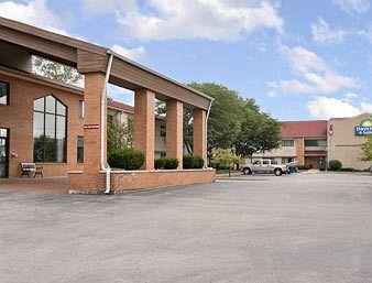 Photo of Indianapolis Days Inn &amp; Suites Castleton