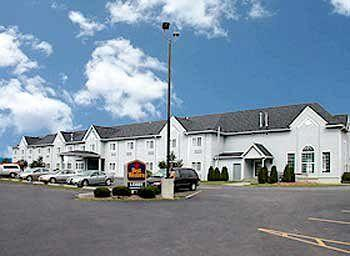 ‪BEST WESTERN Crown Inn & Suites‬