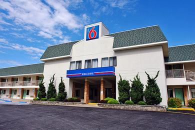 Motel 6 New London -