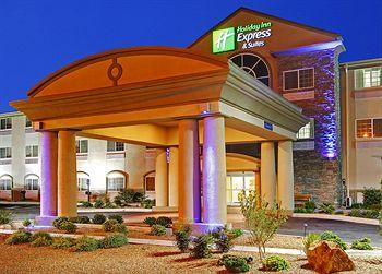 Photo of Holiday Inn Express Hotel & Suites Carlsbad