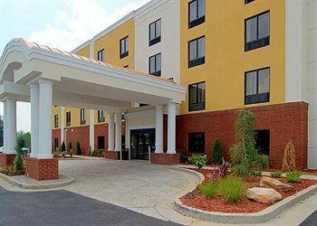Photo of Comfort Suites Atlanta Airport