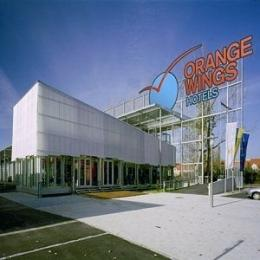 Photo of Orange Wings Krems