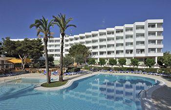 Photo of Hotel Mediterrani Cala Blanca