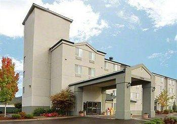 Photo of EconoLodge Inn & Suites Roseburg