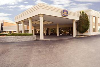 ‪BEST WESTERN Airport Plaza Inn & Conference Center‬