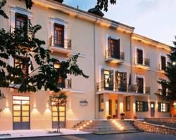 Helmos Hotel