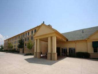Photo of La Quinta Inn & Suites New Orleans Chalmette Area