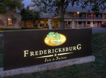 Fredericksburg Inn & Suites