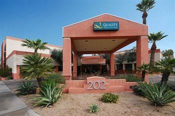 Photo of Quality Inn &amp; Suites Downtown Phoenix