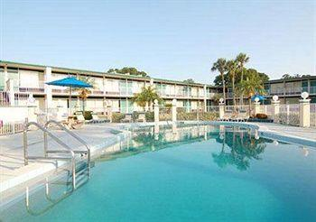 ‪Siesta Inn & Suites‬