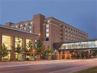 Hyatt on Main Green Bay