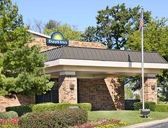Days Inn Libertyville