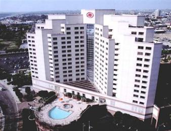 ‪Hilton Long Beach & Executive Meeting Center‬