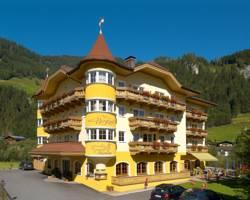 Hotel Bergzeit