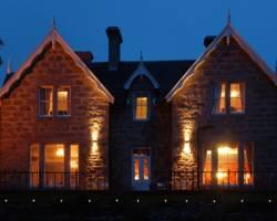 ‪Muckrach Lodge Hotel & Restaurant‬