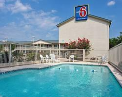Motel 6 Kerrville