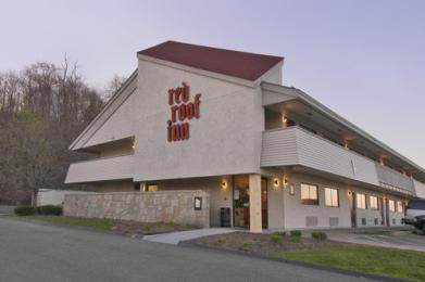 ‪Red Roof Inn St. Clairsville‬
