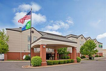 Photo of Holiday Inn Express St. Louis Saint Louis