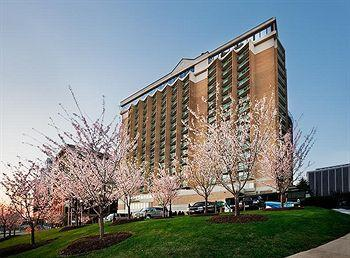 Photo of Holiday Inn Rosslyn @ Key Bridge Arlington