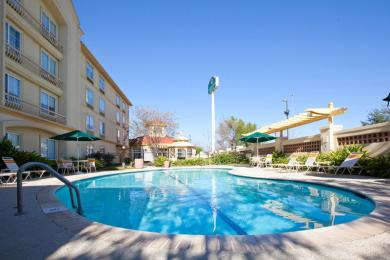 La Quinta Inn & Suites Alexandria Airport